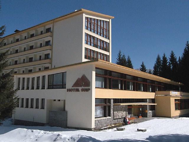 Hotel SNP - exteriér - zima - Hotel SNP -